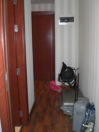 Hotel Zenit Malaga: corridoio