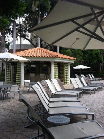 Renaissance Boca Raton Hotel: restaurant by the pool