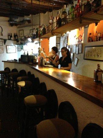 El Pilon: Lilla baren