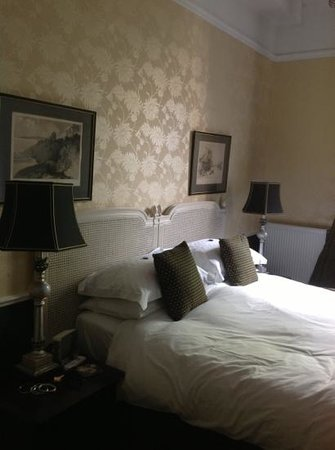 The Hedges Guest House: Beautiful Room