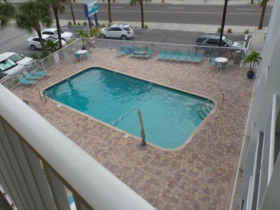 Pelican Pointe Hotel and Resort: nice pool