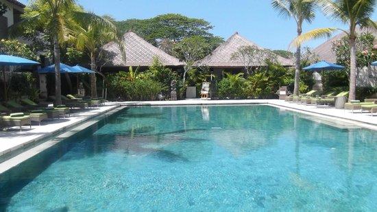Sudamala Suites & Villas: Swimming pool