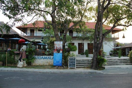 Sudamala Suites & Villas: Frontage
