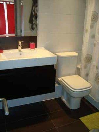 Norus Apartments Las Condes: baños departamentos
