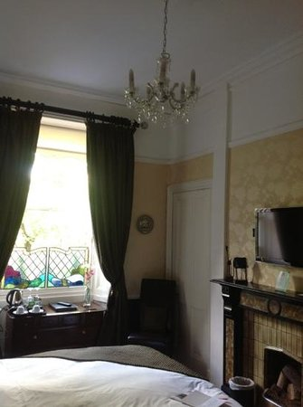 The Hedges Guest House: Room