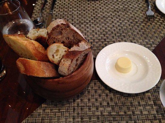 Aureole : Breads...yummy