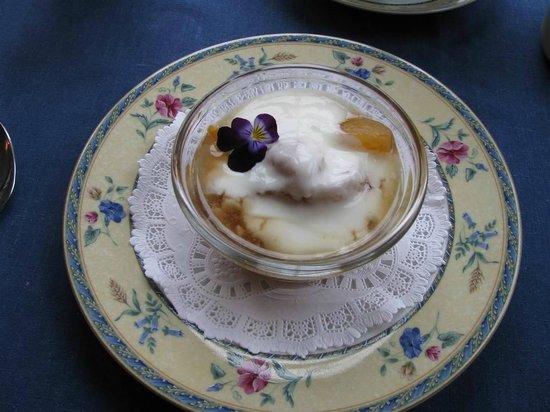 Blue Harbor House Inn : Breakfast1