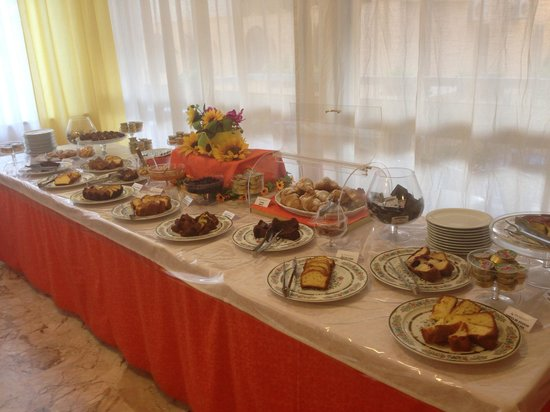 Hotel Stresa : Breakfast table 2