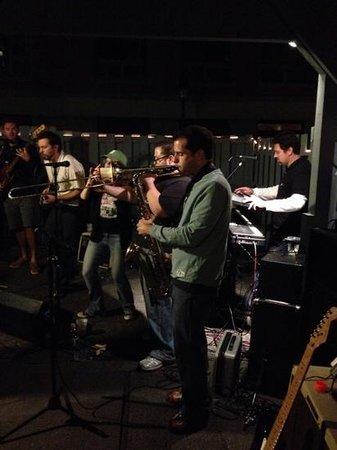 Hilton Garden Inn Portland Downtown Waterfront: some music in rocking portland