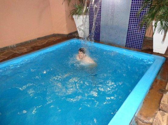 Hotel Advanced: CURTINDO BEM DE LEVE...