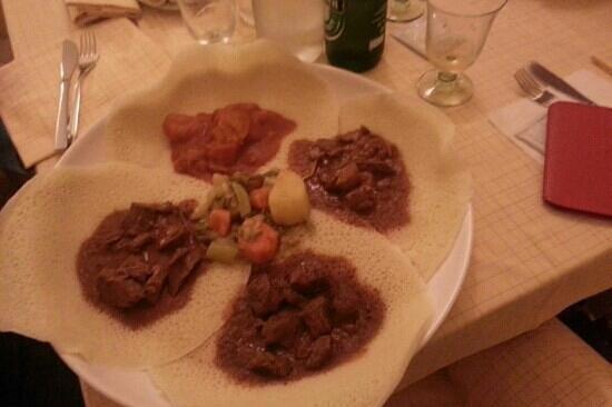 Eritreo Dahlak: il piatto dell'amicizia (da mangiare in 2 e componibile con 5 pietanze diverse)