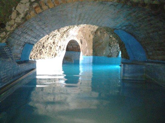 Punta Chiarito Resort Hotel Ristorante : grotta