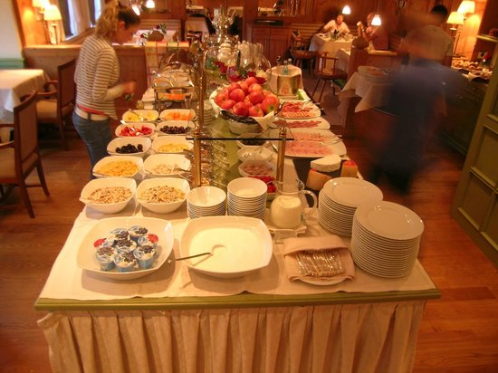 Hotel Pienzenau am Schlosspark: Frühstucksbuffet