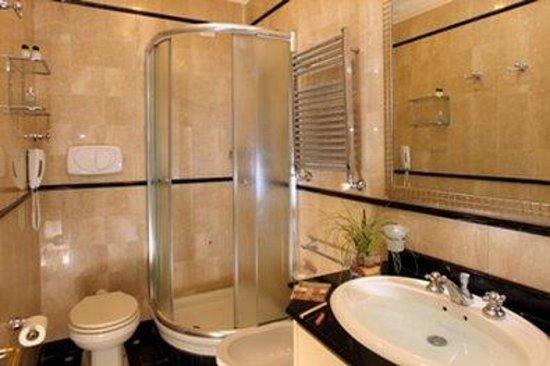 Bagno Cabina - Picture of Hotel Degli Aranci, Rome - TripAdvisor