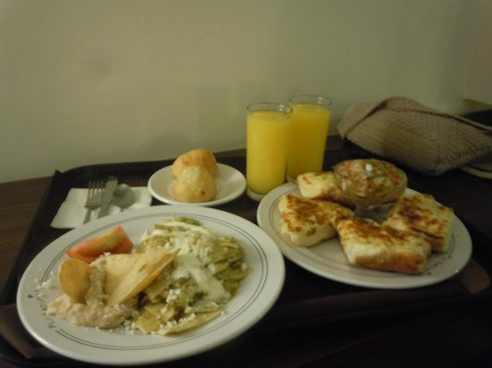 Plaza Diana: this was our breakfast,