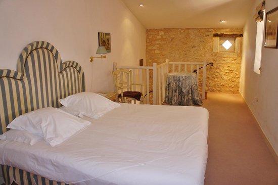 Château des Vigiers : Upstairs bedroom
