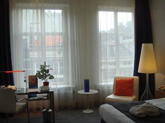 Radisson Blu Hotel, Amsterdam: geräumiges Businesszimmer
