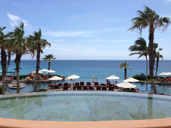 Sheraton Grand Los Cabos Hacienda del Mar: The view when you come past hotel registration out to the ocean