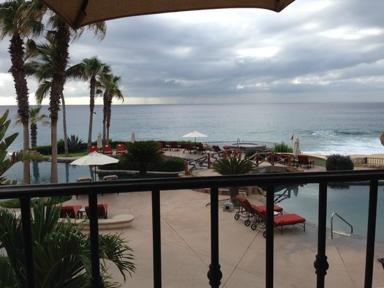 Sheraton Grand Los Cabos Hacienda del Mar: View from the room patio/balcony to the pools and ocean
