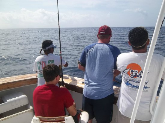 Charter Fishing Cancun: The amazing crew!