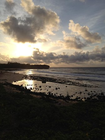 Grand Hyatt Kauai Resort & Spa: Easter morning sunrise!