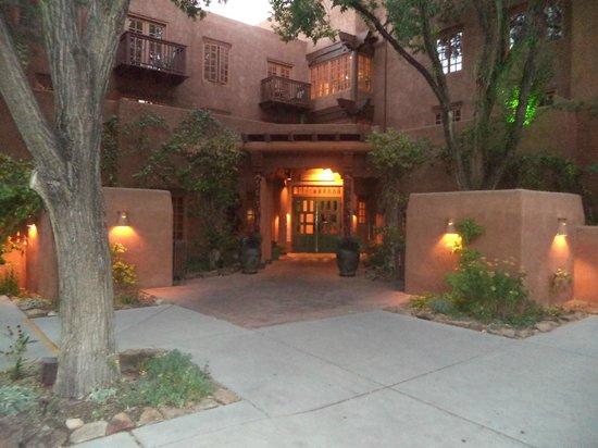 Hotel Santa Fe: Entrance