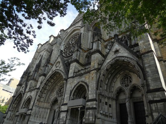 Custom & Private New York Tours Inc: What a beautiful cathedral!