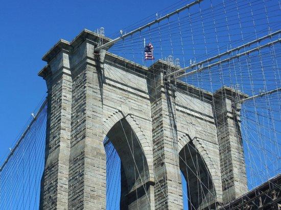 Custom & Private New York Tours Inc: Brooklyn Bridge