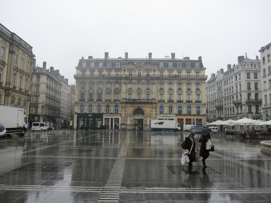 Place des Terreaux: Aspecto de la plaza.