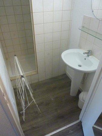 Hotel Residence Hippotel : salle de bain