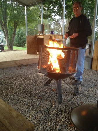 Two Wheel Inn : Fire Pit under Pavilion