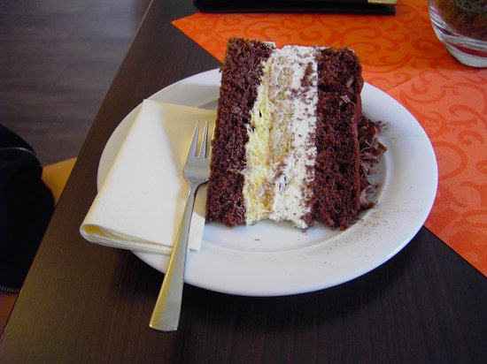 Allee-Cafe Brunnenhof: Molotov-Torte