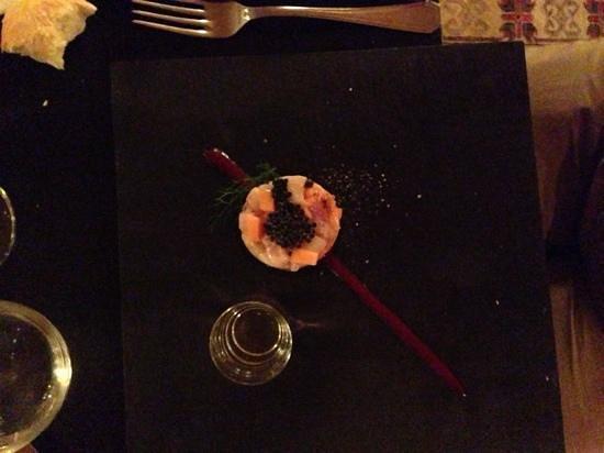 Ai Mercanti: tartare de poisson au fruit exotique et son caviar