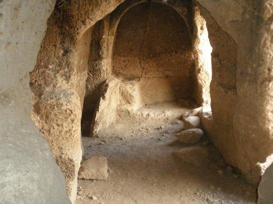 Dara Mesopotamia Ruins: A view at Necropolis at Dara