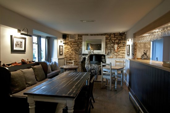 The Ragged Cot Inn: Dining
