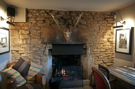 The Ragged Cot Inn: Pub Dining