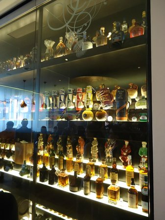 The Scotch Whisky Experience: the collection itself