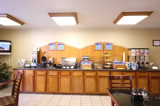 Best Western Plus Twin View Inn & Suites: Complimentary Breakfast