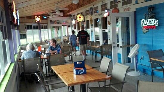 Dead End Saloon and Fish Factory: Dinner with a view of intercoastal waterway.