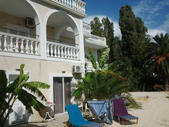 Villa Mare: front