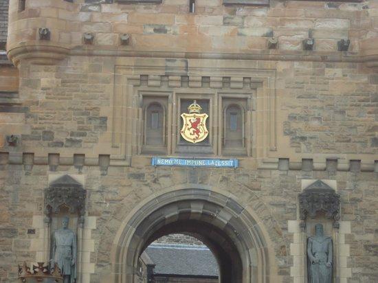 ปราสาทเอดินเบิร์ก: entrance