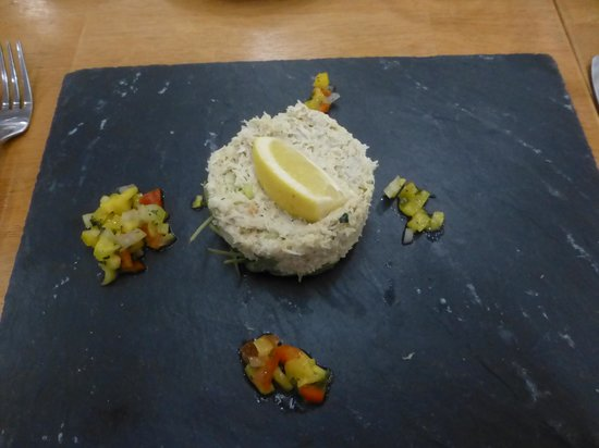 Jurys Inn Sheffield: Crab terrine was good, not taken with the ''slate plates''