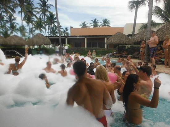 Secrets Royal Beach Punta Cana: yeah for foam parties!