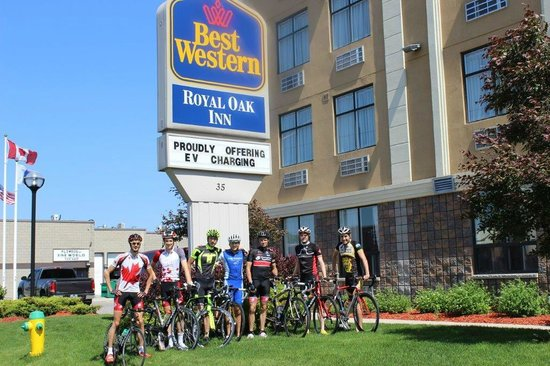 BEST WESTERN Royal Oak Inn: Cyclist Certified with the Welcome Cyclists Network, exploring Ontario by bike!
