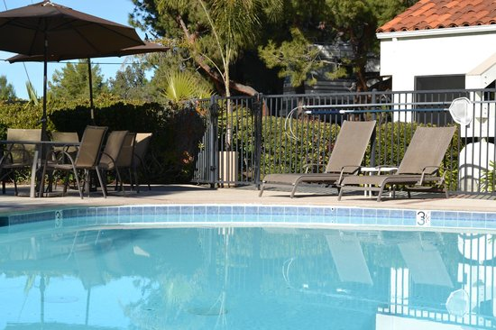 Rancho Los Coches RV Park : Come relax by our heated pool.