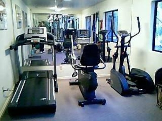 Rancho Los Coches RV Park : Fitness Room located by the front office of our resort.