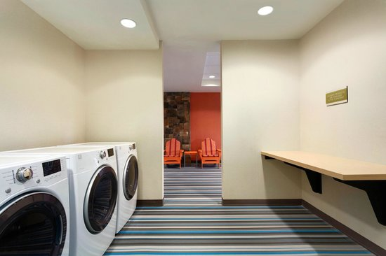 Home2 Suites by Hilton Pittsburgh / McCandless, PA: Spin 2 Cycle Laundry