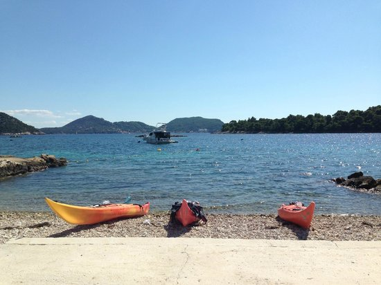 Adria Adventure Sea Kayaking: Lunchtime in Sipan