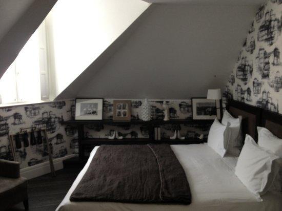 ลาวิลลา ปารีส: Our room
