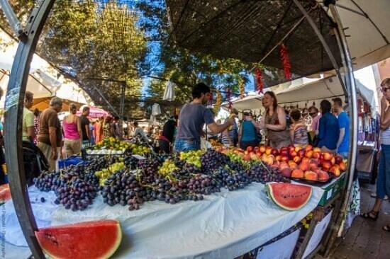 แอลคูเดีย, สเปน: market day